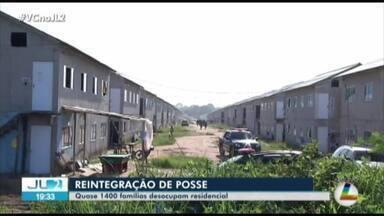 """Cerca de 1400 famílias são retiradas do conj. """"Pouso do Aracanga"""", em Ananindeua - O mandado de reintegração de posse foi cumprido nesta segunda."""