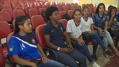 Ex-jogadora da seleção brasileira visita Rondônia - Pretinha, participa do CBF Social, evento realizado na capital.