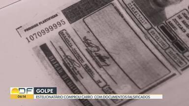 Motorista recebe multas de um carro que ele não comprou - Em abril do ano passado, Ricardo Gadelha descobriu que seus documentos foram clonados e que o estelionatário fez isso para comprar um carro. Ricardo conseguiu cancelar o financiamento feito no nome dele, mas continua recebendo multas de infrações cometidas pelo estelionatário.