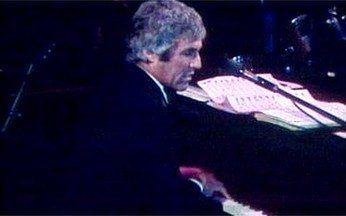 Os sucessos de Burt Bacarach - Confira uma número especial de Burt Bacarach, exibido na edição do Fantástico do dia 2 de abril de 1978. O compositor faria um show no Brasil naquela semana.