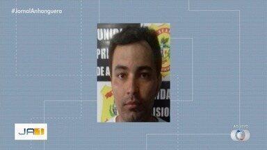 Polícia procura homem suspeito de roubar várias casas em Anápolis - Ele chegou a ser pego, mas fugiu.