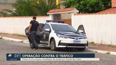 Operação contra o tráfico de drogas é realizada em Arraial do Cabo, no RJ - Investigação realizada ao longo de cinco meses monitorou o grupo criminoso e identificou seus integrantes.