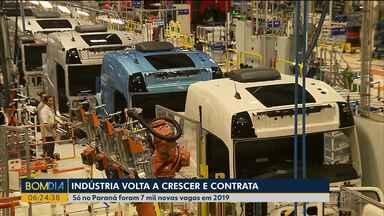 Indústria volta a contratar - Só no Paraná foram 7 mil novas vagas em 2019.