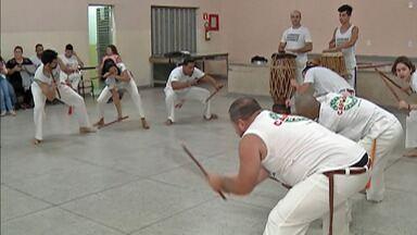 Projeto em Mogi das Cruzes incentiva a capoeira - Participantes se apresentam neste domingo (17).