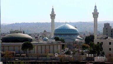 Em Amã, 97% da população é muçulmana - Capital da Jordânia é repleta de mesquitas, sendo Al Husseini, construída em 1924, a mais antiga. Bette Lucchese explica um pouco sobre a religião e seus costumes.