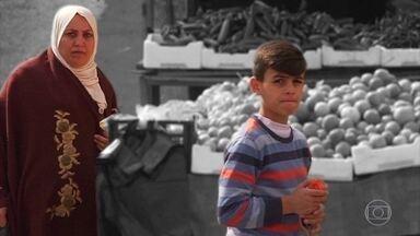 Amã é oásis de paz em meio aos confrontos do Oriente Médio e recebe milhares de refugiados - Dois milhões de palestinos, 1 milhão de sírios, 500 mil iraquianos e outros povos vivem atualmente na cidade. Ex-embaixador do Brasil na Jordânia elogia segurança: 'Você pode deixar o carro aberto, o celular em cima da mesa no restaurante'.