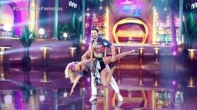 Giovanna Lancellotti empolga a galera com sua salsa! - A atriz dançou muito no palco do ' Dança dos famosos'