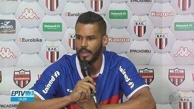 Goleiro Darley se destaca na Série B e renova com o Botafogo-SP por dois anos - Atleta chegou ao clube em novembro de 2018, como reserva.