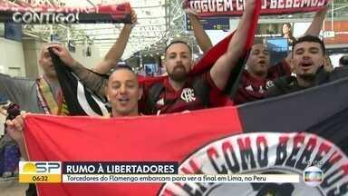 Flamenguistas se prepararam para acompanhar a final da Libertadores neste sábado - Muitos torcedores estão embarcando para ver o jogo em Lima, no Peru. Na grande São Paulo, o Flamengo de Guarulhos fala sobre a preparação para a Copa SP.