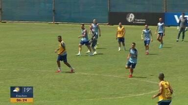 Jean Pyerre volta a treinar com bola no CT Luiz Carvalho - Veja como foi o treino do Grêmio.