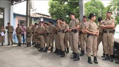 PMs são treinados para melhorar atendimento a mulheres vítimas de violência em MG - Minas Gerais foi o estado com o maior registro de casos de feminicídio em 2018: 150. A primeira turma do treinamento tem 70 policiais, das 30 cidades mineiras que mais registraram feminicídios em 2018.