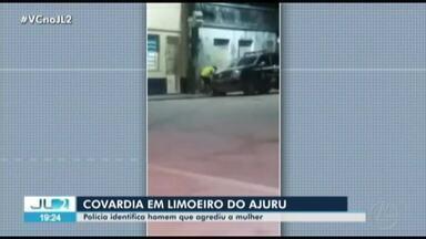 Cena de agressão à mulher causa revolta em Limoeiro do Ajuru, no nordesde do PA - Casal aparece conversando perto de delegacia, quando o homem dá um tapa no rosto da mulher. A vítima chega a cair no chão.