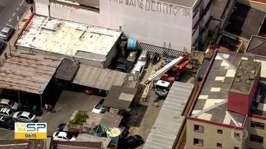 Guindaste cai em obra e mata uma pessoa - Outras duas pessoas ficaram feridas no acidente em Osasco