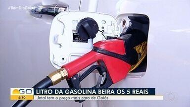 Preço do combustível aumenta, assim como da carne e outros produtos, em Goiás - Consumidor procura alternativas para conseguir economizar.