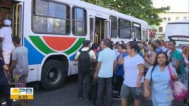 Insegurança nos Ônibus; usuários de transportes coletivos vivem com medo de assaltos - Confira os detalhes com os repórteres Giuliano Roque e Artur Lira.