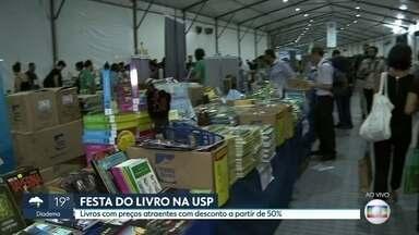 Começou a tradicional festa do livro da USP na Cidade Universitária - A USP reuniu 250 editoras que oferecem descontos de no mínimo 50%. .