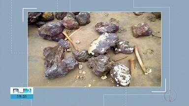 Ossadas humanas aparecem em São Francisco de Itabapoana - Material foi encontrado na Praia de Manguinhos.