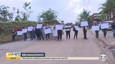 Moradores de Brumadinho fazem ato contra fim do auxílio emergencial da Vale - Pagamento deve ser feito até janeiro de 2020. Depois disso, apenas moradores de alguns bairros vai receber o pagamento mensal.