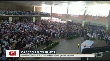 G1 no BDMG: '3º Encontro Estadual das Mães que Oram pelos Filhos' lota Catedral Cristo Rei - Evento foi realizado no sábado (30) e no domingo (1º) e todas as 3,5 mil vagas foram preenchidas.