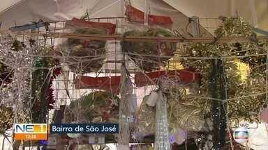 Venda de produtos natalinos aquece comércio do Centro do Recife - Público vai em busca de artigos como árvores de Natal e enfeites.