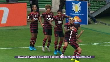 Flamengo vence Palmeiras e quebra recordes no Brasileirão - Flamengo vence Palmeiras e quebra recordes no Brasileirão