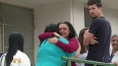 Famílias de vítimas buscam liberação dos corpos de tragédia em São Paulo - Ação da polícia em baile funk em favela da Zona Sul de São Paulo terminou com nove mortos.