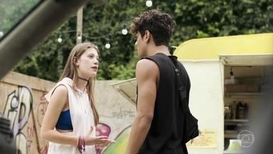 Anjinha e Cléber não conseguem se entender - Nanda aparece para conversar com Anjinha