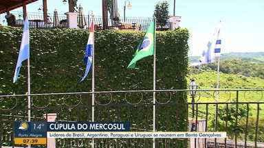 Encontro de líderes sul americanos se reúnem na Cúpula do Mercosul em Bento Gonçalves - Presidente Jair Bolsonaro chega na serra gaúcha nesta quarta-feira (4).