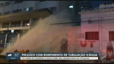 Rompimento de tubulação da Sanasa danifica imóveis e deixa bairros sem água em Campinas - Acidente ocorreu na noite desta segunda-feira (2) durante obra que ocorria na Rua Culto à Ciência, em Botafogo. Centro, Guanabara e Botafogo estão sem abastecimento.
