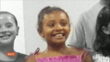 PM é denunciado pela morte da menina Ágatha em favela no Rio - Ministério Público do Rio de Janeiro acusou o policial militar de homicídio qualificado. Menina de 8 anos foi morta com tiro em setembro, no Morro do Alemão.