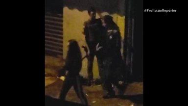 Moradores de Paraisópolis reclamam de ações policiais na comunidade - Profissão Repórter foi até a favela de Paraisópolis e conversou com familiares das vítimas para mostrar o que aconteceu durante o baile funk que terminou com nove jovens mortos no último final de semana.