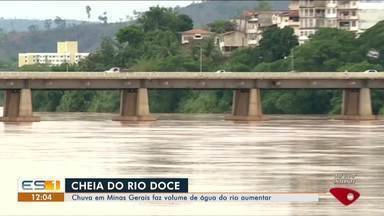 Chuva na cabeceira deixa Rio Doce mais cheio em Colatina e Linhares, ES - Situação acende alerta.