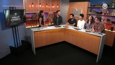 'Fora da Cozinha' Veja a íntegra do programa web do dia 05 de Dezembro - Maria Joana e convidados no programa 'Fora da Cozinha'