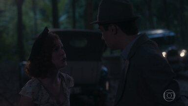 Carlos discute com Mabel - Ele manda a menina se desculpar com o pai e diz que está cansado de ser enganado