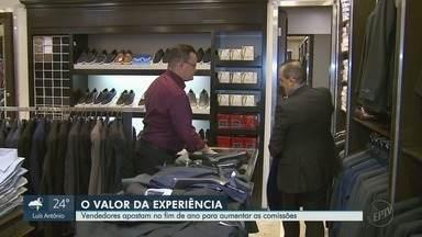 Comércio fica aquecido e abre contratações com a proximidade do Natal em Ribeirão Preto - Lojas têm vagas para funcionários temporários.