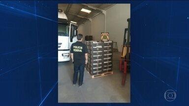 Polícia Federal apreende 1,2 mil quilos de cocaína no porto de Natal - Parte da droga, que serie enviada para a Dinamarca, estava em galpões perto do porto e outra parte em um contêiner, misturada com uma carga de melões.