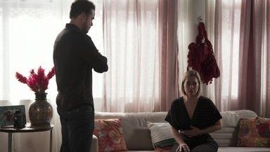 Joaquim afirma que está apaixonado por Aline - Lígia acusa o marido de destruir sua família e pede que ele saia de casa