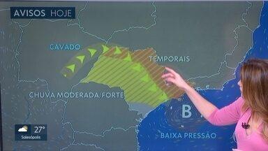 Tarde terá chuva forte, pelo segundo dia seguido, na Grande São Paulo - Temperatura máxima cai um pouco nesta quarta-feira. Confira.