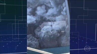 Número de mortos em erupção de vulcão na Nova Zelândia sobe para seis - Oito pessoas ainda estão desaparecidas desde ontem. As equipes de resgate já declararam que é improvável que haja sobreviventes. Por questões de segurança, elas ainda não conseguiram acessar a ilha do vulcão.