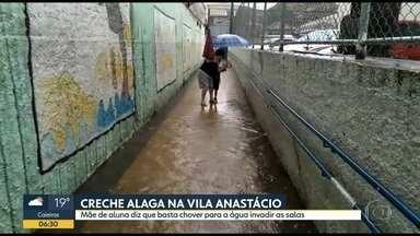 Chuva alaga creches e causa estragos em todo o estado - Creches da capital e de Sorocaba ficaram alagadas. Passageiros que estavam na Rodoviária de Sumaré precisaram subir nos bancos pra fugir da água