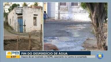 Vazamento de água é consertado, no Centro de João Pessoa - Confira os detalhes com o repórter Hildebrando Neto.