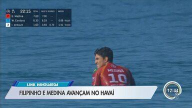 Surfistas Medina e Filipinho avançam na primeira bateria no Havaí - Eles disputam título mundial de surfe
