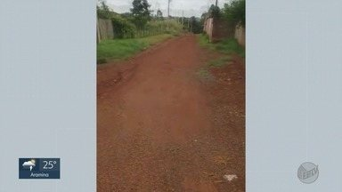 Moradores reclamam de falta de asfalto em ruas de Batatais, SP - Problema já apareceu sete vezes no quadro 'Até Quando'.