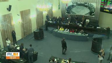 Assembleia Legislativa de Alagoas aprova reforma da previdência dos servidores públicos - Sessão da votação teve protesto de servidores e debates de pontos polêmicos.