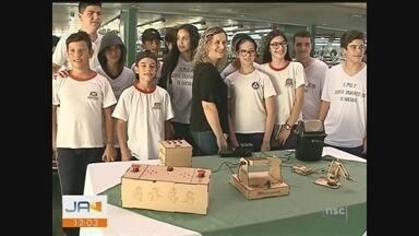 Projeto oferece aulas de robótica para alunos de escolas de Criciúma - Projeto oferece aulas de robótica para alunos de escolas de Criciúma