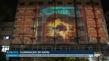 Projeção em hotel desativado no centro de Londrina chama a atenção - Iluminação faz parte da campanha de Natal da Acil