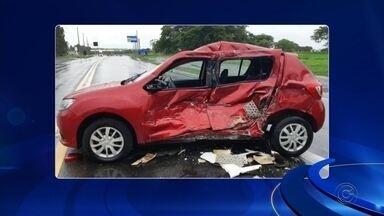 Idoso morre após acidente com caminhão em rodovia de José Bonifácio - Um motorista de 69 anos morreu após se envolver em um acidente na Rodovia BR-153, em José Bonifácio (SP), na tarde desta quarta-feira (11).