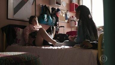 Anjinha e Jaqueline conversam sobre Marco - Jaqueline tentar convencer Anjinha de morar com Carla