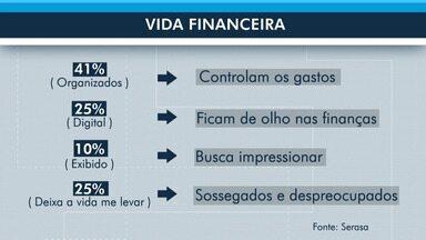 Menos da metade dos brasileiros se organizam financeiramente - Pesquisa mostra que pessoas não se preocupam com a vida financeira