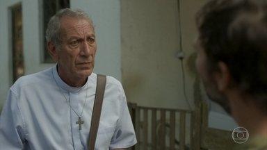 Padre Paulo pede para Elias voltar para o Rio de Janeiro - Padre Paulo consegue encontrar Elias